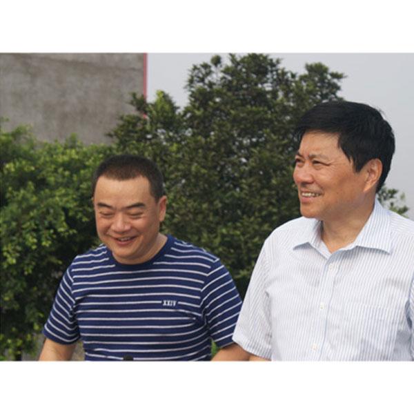 市委书记刘国强在护国陈醋视察工作